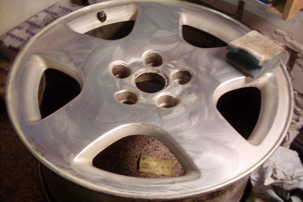 Как отшлифовать литые диски своими руками 63