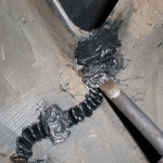 Используем скрепки от степлера для армирования.