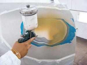 Процесс нанесения грунта