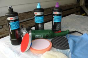 Инструмент для полировки кузова: шлифмашинка, паралоновые круги, паста 3М